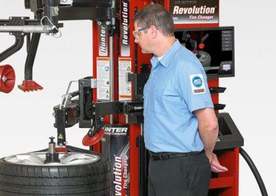 revolution-car-tire-changer-2